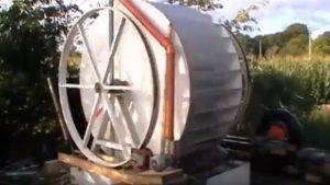 Wasserrad mit Pumpe